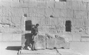 Roger Khawam travaillant sur le site 1940